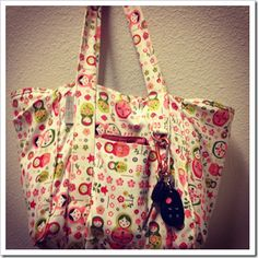 What to pack in your diaper bag when you have a newborn baby. Great tips for new moms.