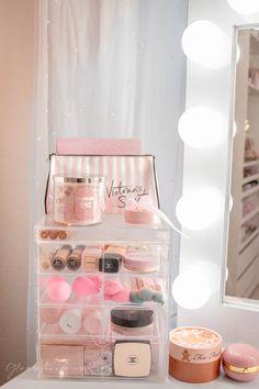 Pink Walk in Closet & Beauty Room Reveal Cute Room Decor, Teen Room Decor, Room Ideas Bedroom, Bedroom Decor, Karten Tattoos, Glam Room, Makeup Rooms, Aesthetic Room Decor, Pink Room
