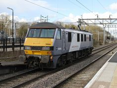 90008 at Bletchley on March (John Coleman) Electric Train, British Rail, Electric Locomotive, Diesel, 4th March, Maui, Vehicles, London, Trains