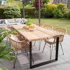 Garden Table, Patio Table, Backyard Patio, Patio Stone, Flagstone Patio, Concrete Patio, Diy Outdoor Table, Outdoor Dining, Outdoor Decor