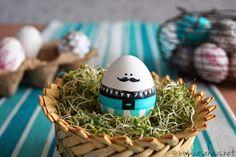 Huevos de Pascua // Handpainted easter eggs // Little * Haus Magazine