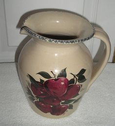 Lovely HOME AND GARDEN PARTY APPLE BELLY PITCHER 1/2 GALLON