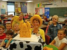 SK Posing with Kids & Valders Vikings Carving by Sarah The Cheese Lady, via Flickr