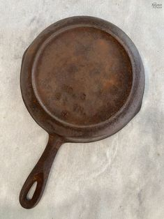 How to Restore a Cast Iron Pan   How to Season a Cast Iron Pan   How to remove rust from cast iron   The easy way to restore a pan   How to clean rusty cast iron   Easy rust remover   The right way to season a pan   Simple trick for removing rust from a cast iron pan   DIY Cast Iron Pan restoration   #TheNavagePatch #CastIron #RustRemoval #HowTo #Tutorial   TheNavagePatch.com Removing Rust, How To Remove Rust, Cleaning Rusty Cast Iron, Searing Meat, Seasoning Cast Iron, Cooking Tomatoes, Iron Pan, Restore, Restoration