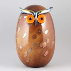 """Oiva Toikka's excellent """"Eagle owl"""" (Uhuu) glass bird with rounded form, spotty brown color, and attentive expression. Mouth-blown and hand crafted glass art from Iittala in Finland. Glass Birds, Glass Art, Owl, Eagle, Ceramics, Artist, Design, Ceramica, Pottery"""