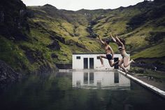Intimate and Natural Couples Portraits in Iceland | Charis Rowland Photography