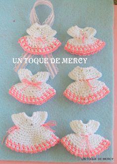 UN TOQUE DE MERCY: RECUERDOS PARA BABY SHOWER...VESTIDITOS