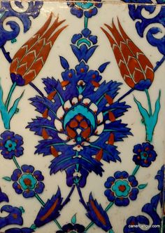 Iznik Tile, Rustem Pasha Mosque, Istanbul Go to the website to see many more photos of the mosque and its beautiful tiles. Tile Art, Mosaic Art, Mosaic Tiles, Turkish Tiles, Turkish Art, Islamic Tiles, Islamic Art, Tile Patterns, Textures Patterns