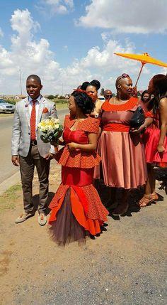 A beautiful traditional wedding African Bridal Dress, African Bridesmaid Dresses, African Print Dresses, African Print Fashion, African Dress, African Attire, African Wear, African Women, Shweshwe Dresses
