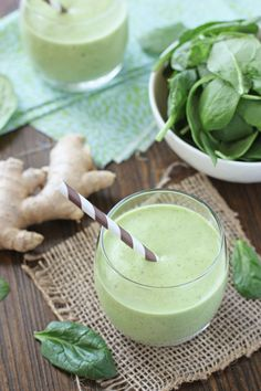 Vanilla Mango Spinach Smoothie // In need of a detox? Get your teatox on with 10% off using our discount code 'Pinterest10' on www.skinnymetea.com.au X