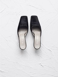 shoes / vintage Prada images: Ivania Hard to get is more fun. Mules Shoes, Sandals, Love Aesthetics, Vintage Shoes, Luxury Branding, Leather Shoes, Me Too Shoes, Prada, Fashion Photography
