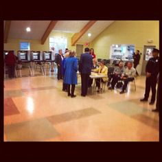 Pics: Mitt and Ann Romney, hold hands as they head out to vote; Crowd awaits; Update: Voted with a snuggle   Twitchy