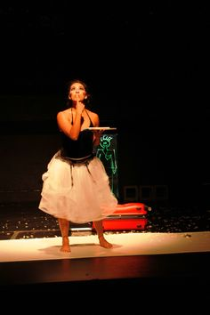"""Foto de la puesta en escena """"Como decía Newton"""" dirigida por Stephanie García. Foto: Claudia Jazmín Gutiérrez Rodríguez / Secretaría de Cultura del GDF."""