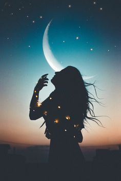 How can you harness moon magic , wicca style, when doing a spell? Just time your spells to the moon, for a little boost of power. Night Sky Wallpaper, Scenery Wallpaper, Cute Wallpaper Backgrounds, Dark Wallpaper, Pretty Wallpapers, Nature Wallpaper, Silhouette Photography, Shadow Photography, Silhouette Art
