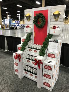 Stella Artois Christmas Free Standing Unit - Looking to get noticed with your point of sale display in a busy, fast-paced retail environment? Increase confidence in your sales with www.popthis.com.au
