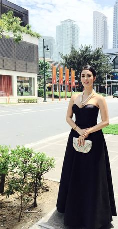 Heart evangelista wearing mark Bumgarner Heart Evangelista Style, Mark Bumgarner, Long Gowns, Haute Couture Dresses, All Black Outfit, Minimal Classic, Dressy Dresses, Fashion Images, Celebs
