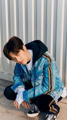 Gonna keep this boy🖤 Boyfriend Look, My Future Boyfriend, Boyfriend Material, K Pop, 7 Prince, Im Going Crazy, Yg Entertaiment, Hyun Suk, Golden Child