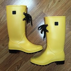 Yellow Rain Boots Size 36 Because rain boots don't have to be boring! Make any outfit pop with these fabulous yellow rain boots. Wear them with jeans, leggings, or even a mini skirt. Constructed with a combination of waterproof and water resistant components, size 36, US 6 true to size. Brand new!  Paypal Trade Low Balling Drama Shoes Winter & Rain Boots