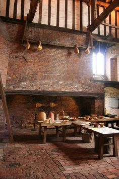 An enormous Medieval fireplace in the kitchen of Gainesborough Old Hall. An enormous Medieval fireplace in the kitchen of Gainesborough Old Hall. Medieval Houses, Medieval Life, Medieval Castle, Medieval Home Decor, Chateau Medieval, Middle Ages, Interior And Exterior, Renaissance, Cottage