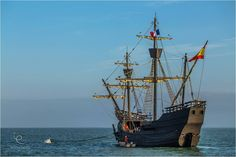 La Nao Victoria en escale en rade de l'île d'Aix pour saluer le départ de l'Hermione | Charente-Maritime Tourisme #charentemaritime | #NaoVictoria | #frégate | © Jean-Marc Vaillant