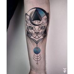 Sphynx cat  @ Blade&Shade tattoo, Luzern #sphynx #graphictattoo #customtattoo #customdesign #oneofakind #budapesttattoo #tattrx (helyszín: Blade & Shade Tattoo and Piercing Luzern)