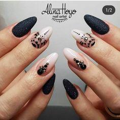 Imagen de manicure, nail art, and nails Black Acrylic Nails, Almond Acrylic Nails, Almond Nails, Black Nails, White Nails, White Glitter, White Ombre, White Nail Designs, Best Nail Art Designs