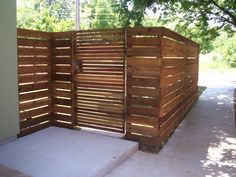 Not that I have a yard, but this is a cool looking fence, if I ever do get one.