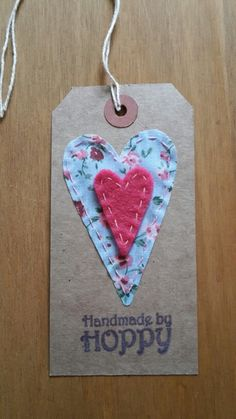 Handmade by Hoppy - Hearts gift tag
