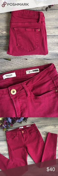 Kensie skinny ankle biter jeans size 27 Meet Lyss. She's a refreshing spring change from your normal blue denim with her magenta color and shorter ankle length. She hugs the leg and ends at the ankle. 5 pocket styling, Kensie marked button fly, embroidered K logo on back, super soft and stretchy with 98% cotton, 2% lycra fabric. Size 27 (N1) offers warmly received. Kensie Jeans Ankle & Cropped