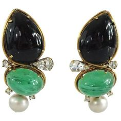 Iradj Moini Black And Green Stone Earrings (€460) ❤ liked on Polyvore featuring jewelry, earrings, green, teardrop earrings, tear drop earrings, iradj moini earrings, stone jewelry and green jewelry