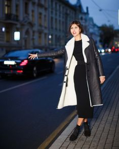 Надежда Оболенцева Russian Fashion, Duster Coat, Normcore, Jackets, Style, Down Jackets, Jacket, Suit Jackets, Cropped Jackets
