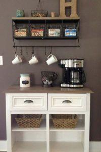 أجمل 20 تصميم لـ ركن القهوة كوفي كورنر وكوفي بار منزلي هذا العام Home Bar Decor Coffee Bar Home Home Coffee Stations