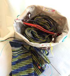 Knitting Patterns Bag SockSack Sock Knitting Bag Small Knitting by StudiointheGreen Small Knitting Projects, Knitting Designs, Knitting Patterns, Sewing Patterns, Sewing Projects, Knitting Accessories, Knitting For Beginners, Knitted Bags, Knitting Socks