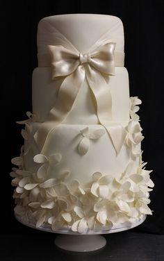 Amanda Oakleaf Cakes - Bostonhttp://pinterest.com/pin/439523244854323151/