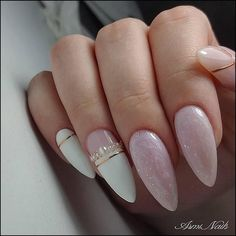 Semi-permanent varnish, false nails, patches: which manicure to choose? - My Nails Bride Nails, Wedding Nails, White Nail Designs, Nail Art Designs, Nails Design, Cute Nails, Pretty Nails, Hair And Nails, My Nails