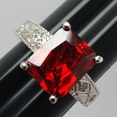 Stunning-Rectangle-Red-Stone-Costume-Ring-Silvertone-Band-with-Accents-Size-8