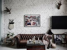 Chesterfield sofa inspirations- buy online - divano chesterfield - ITALIANBARK interior design blog - leather chesterfield industrial style interior