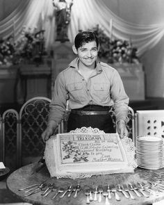Clark Gable (February 1901 – November celebrates his birthday on the set of The White Sister. Hollywood Men, Golden Age Of Hollywood, Vintage Hollywood, Hollywood Stars, Hollywood Actresses, Classic Hollywood, Hollywood Glamour, Clark Gable, Divas