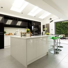 Modern kitchen extension ideas are very cool with its simple and minimalist decor yet quite effective in making overall area becomes incredible with Kitchen Extension Open Plan, Open Plan Kitchen, New Kitchen, Kitchen Decor, Kitchen Ideas, Extension Ideas, Extension Google, Beautiful Kitchens, Cool Kitchens