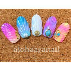 """1,162 Likes, 22 Comments - Aya (@alohaaya26) on Instagram: """"巷で話題のマーメイドの鱗ネイル練習したよ 可愛い * #ネイル#nail#nails#nailart#マーメイドネイル#シェルネイル#ターコイズネイル"""""""
