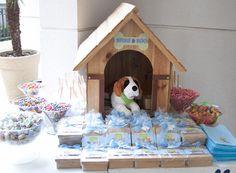 Os cachorrinhos invadiram o aniversário de 1 ano do Arthur, com decoração da Fête! Uma festinha linda e boa pra cachorro! Fotografia: Alexandre Feola   Dec