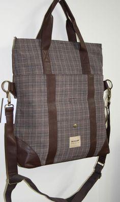 70e5cdaaa772 Genuine Dunlop Shopper Bag Big Fashion With Laptop Slave Funky Checked  BRAND NEW Big Fashion