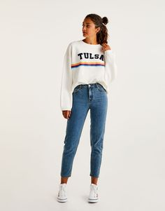 You can find 1 Mom fit jeans for only in Pull&Bear. Enter now and discover this and many other unique Pull&Bear pieces Booties Outfit, Outfit Jeans, Lässigen Jeans, Mom Jeans, Outfits Teenager Mädchen, Teen Girl Outfits, Sporty Outfits, Jean Outfits, Classy Outfits
