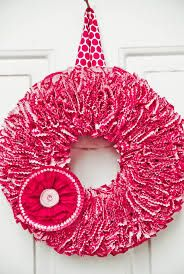 Cupcake wrapper wreath; so cute for Valentine's Day!