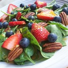 """Spinach-And-Berries Salad With Non-Fat Curry Dressing 
