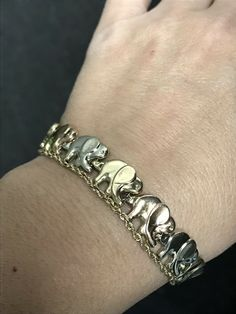 Beautiful bracelet with multi gold colored elephants connected trunk to tail. Elephant Jewelry, Elephant Bracelet, Animal Jewelry, Gold Link Bracelet, Link Bracelets, Rope Chain, Vintage, Unique, Silver
