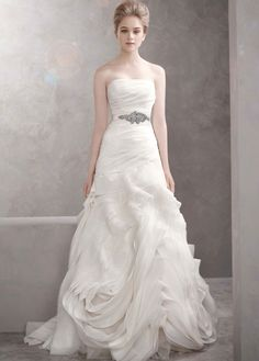 Vera+Wang+vera+wang+white+Organza+Fit+and+Flare+Gown+with+Bias+Flange+Skirt+Style+VW351011