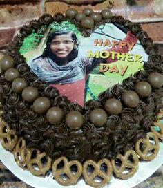 Selamat Hari Ibu kepada semua dari Idzura Idrus Homemade Cakes. Tak lupa kepada diri saya juga sebagai ibu. Terima kasih kepad apelanggan ya...