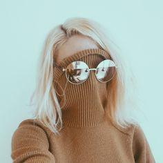 grafika blonde, sunglasses, and style Look Fashion, Fashion Tips, Fashion Design, Fashion Trends, Cheap Fashion, Trends 2016, Lunette Style, Love Vintage, Foto Pose