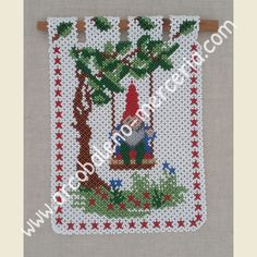 Product catalog Doilies of pearls PDF - Arcobaleno Merceria Weaving Projects, Bead Weaving, Doilies, Christmas Sweaters, Beading, Product Catalog, Holiday Decor, Banners, Pdf